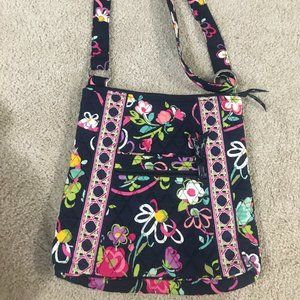 Vera Bradley like new adorable hobo bag